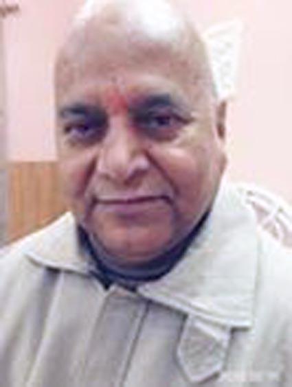 स्वामी शुकदेवानंद ट्रस्ट से चिन्मयानंद आउट
