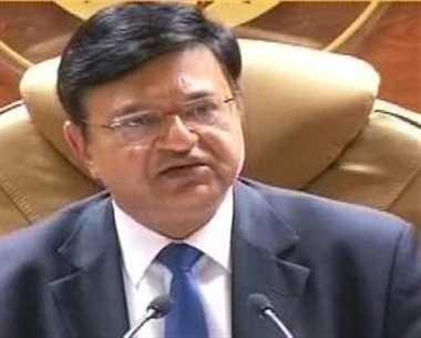 बौखलाई सरकार ने गृह सचिव अनिल गुप्ता को भी हटाया