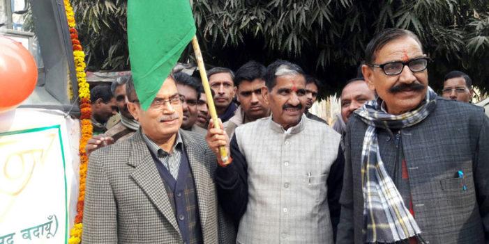लखनऊ बस सेवा बंद, मुख्यमंत्री से पुनः शुरू कराने की मांग