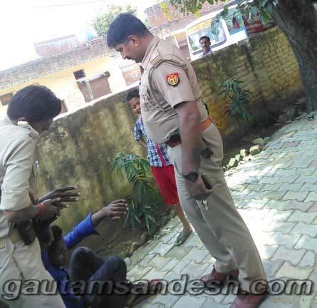 भाजपाईयों के साथ दारोगा की गुंडई, किशोर को बेरहमी से पीटा