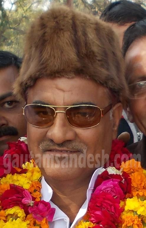 सपा विधायक ने बंधक बना कर सिपाही को बेरहमी से पीटा