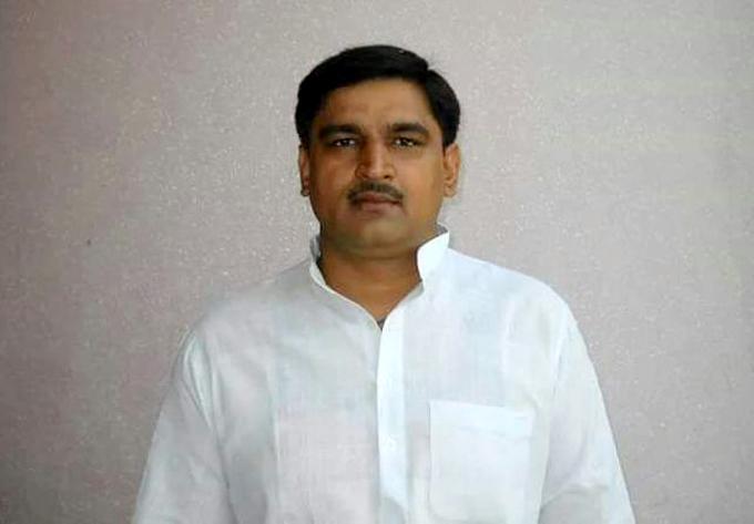 सपा के अवसरवादी नेता को भाजपाईयों ने सम्मेलन से लौटाया