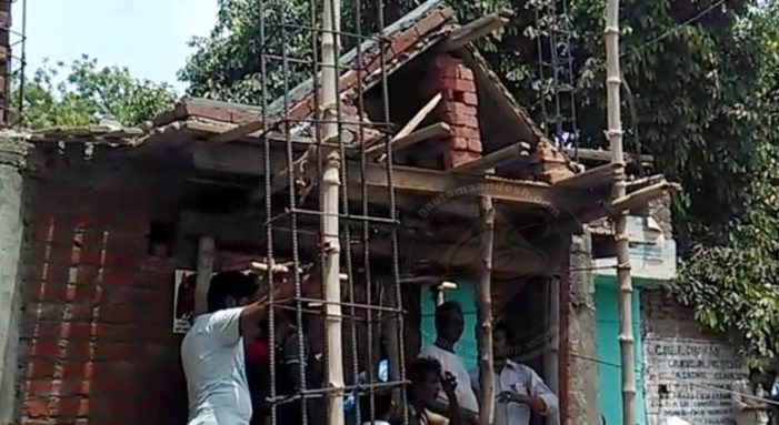 जीर्णोद्वार के समय मन्दिर पर आपत्ति, पुलिस ने प्रकरण सुलझवाया