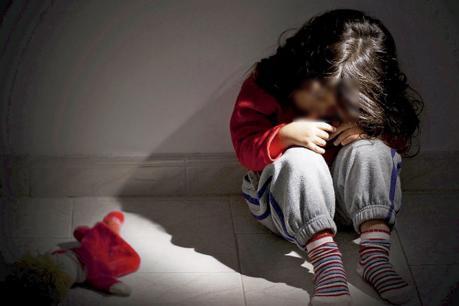थाने के पीछे चाचा ने किया बीस माह की बच्ची का यौन उत्पीड़न
